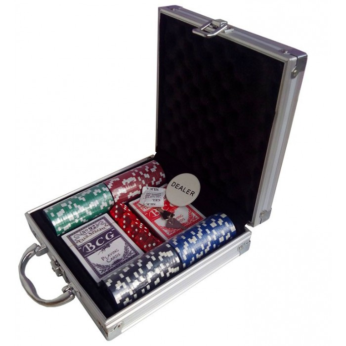 Покерный набор на 100 фишек (кейс)
