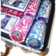 Покерний набір на 200 фішок з номіналом (кейс)
