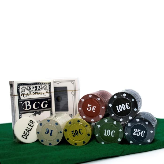 Покерный набор на 120 фишек с номиналом в фигурной коробке