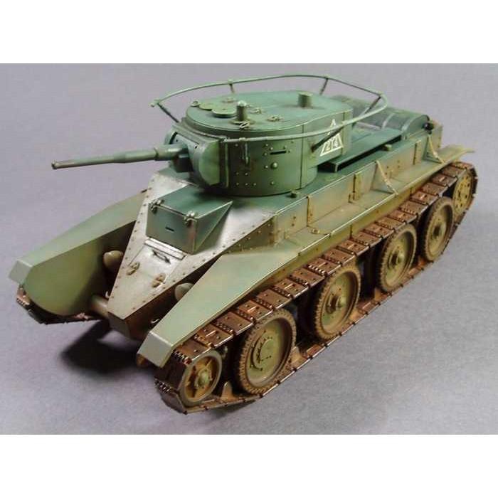 Сборная модель для склеивания советский легкий танк БТ-5