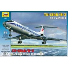 """Збірна модель для склеювання пасажирський авіалайнер """"Ту-134"""""""