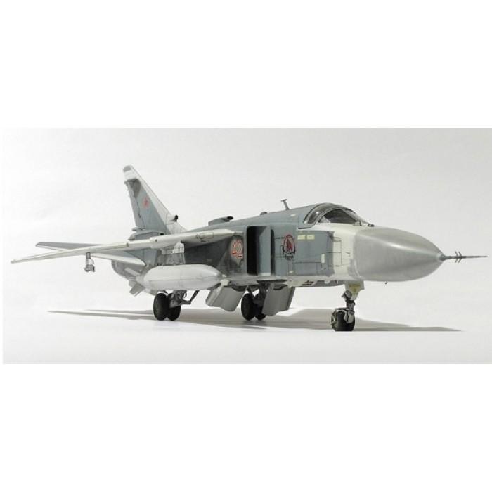 """Збірна модель для склеювання літак """"Су-24М"""""""