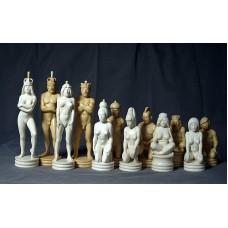 """Великі скульптурні шахмати """"Протистояння"""""""